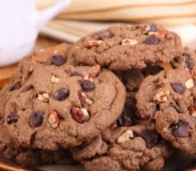 עוגיות אגוזים ושוקולד צילום: shutterstock